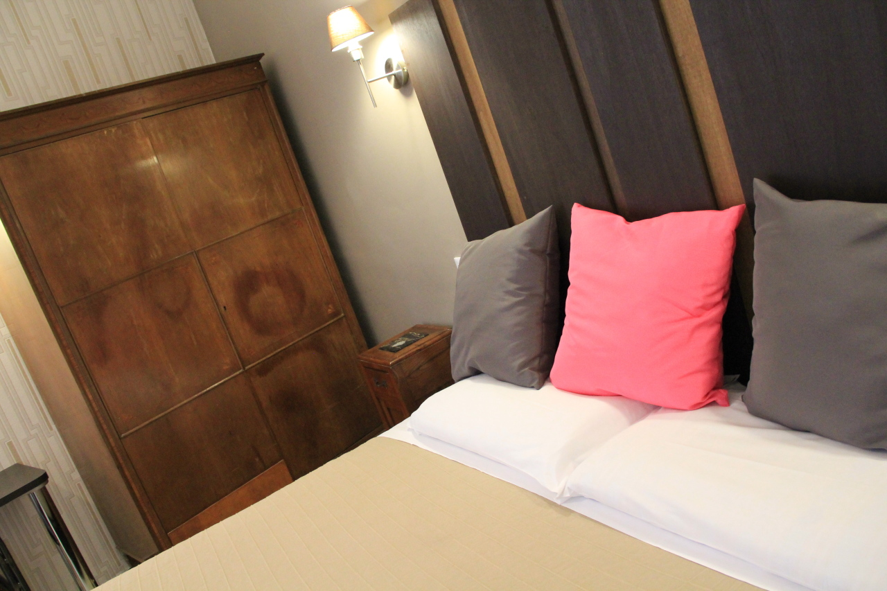 http://www.hotelbologna.genova.it/wp-content/uploads/2014/05/Camera-wood-room5.jpg