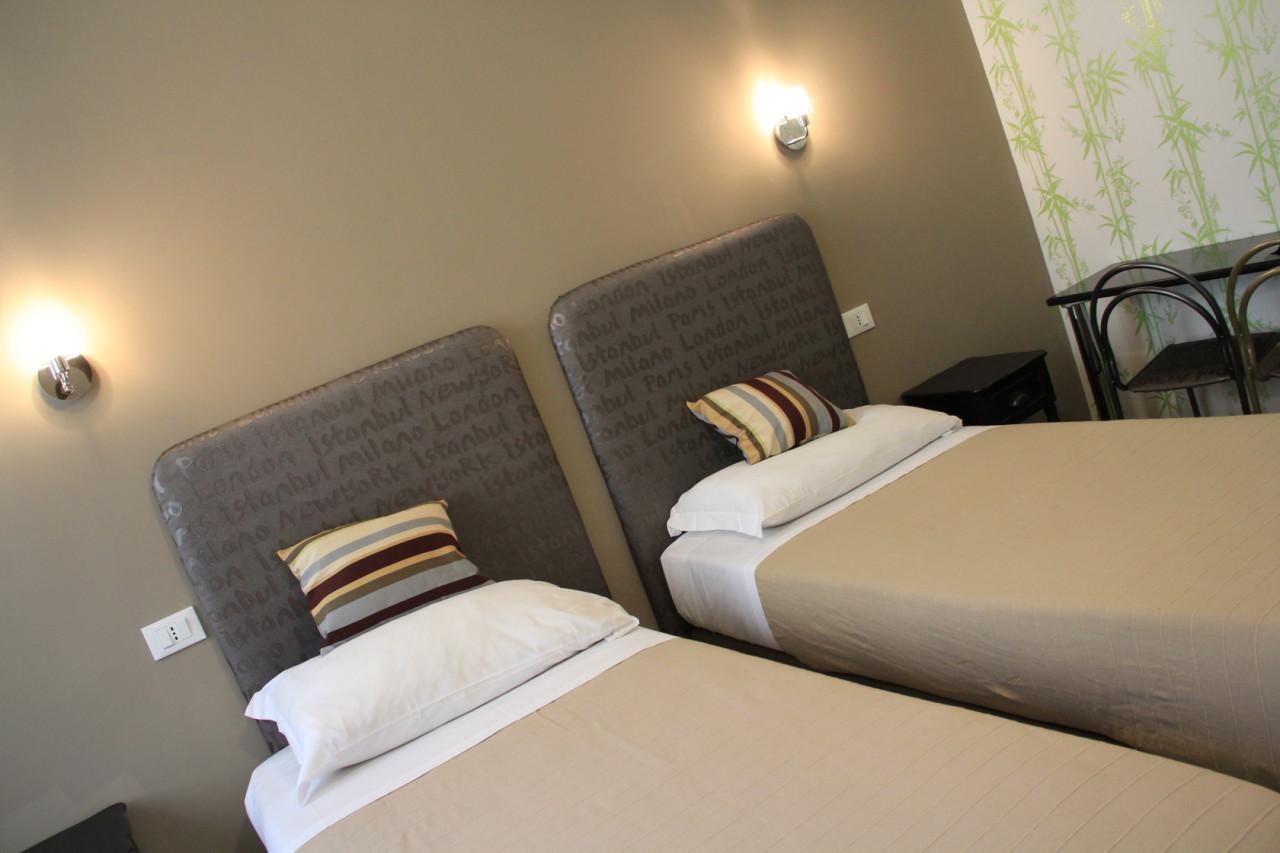 http://www.hotelbologna.genova.it/wp-content/uploads/2014/05/Cosmopolitan11.jpg