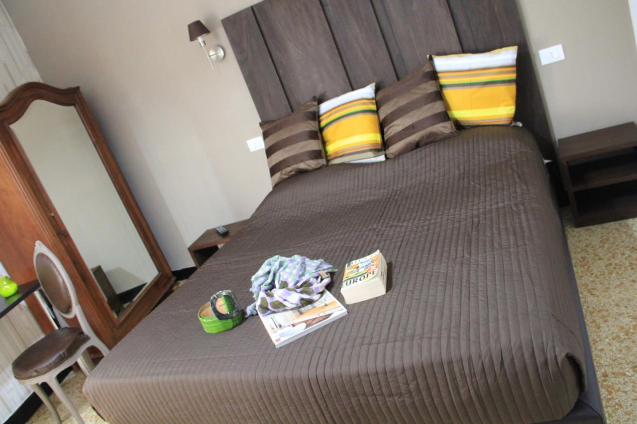 http://www.hotelbologna.genova.it/wp-content/uploads/2014/07/ULTIME-CAMERE030.jpg